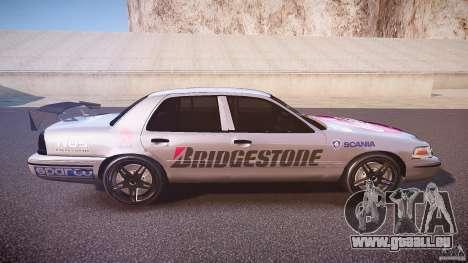 Ford Crown Victoria Tuning (Beta) pour GTA 4 est une vue de l'intérieur