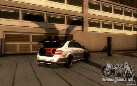 Mercedes Benz E63 DUB pour GTA San Andreas vue arrière