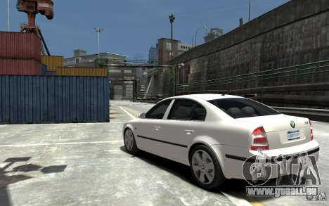 Skoda SuperB pour GTA 4 Vue arrière de la gauche