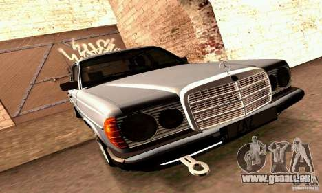 Mercedes Benz W123 pour GTA San Andreas vue de côté