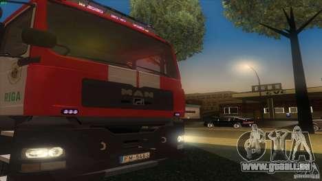 MAn TGL Riga FC pour GTA San Andreas vue de droite