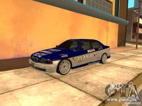 BMW 5-er E39 v2 pour GTA San Andreas sur la vue arrière gauche