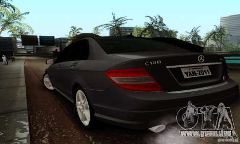 Mercedes-Benz C180 pour GTA San Andreas sur la vue arrière gauche