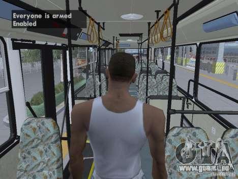 Ikarus 415 pour GTA San Andreas salon