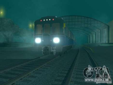 Métro e pour GTA San Andreas sur la vue arrière gauche