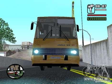 IKARUS 260,37 pour GTA San Andreas vue de côté