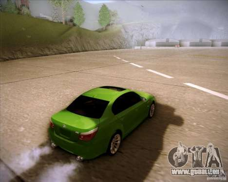 BMW M5 2009 pour GTA San Andreas sur la vue arrière gauche