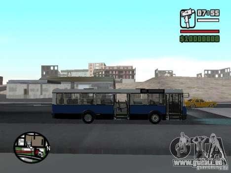 Ikarus 415.02 pour GTA San Andreas vue de droite