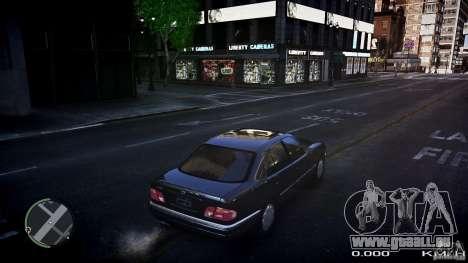 Mercedes w210 1998 (E280) pour GTA 4 Vue arrière de la gauche