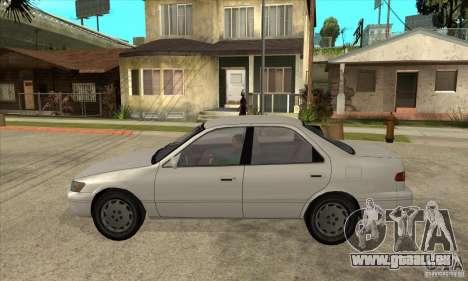 Toyota Camry 2.2 LE 1997 pour GTA San Andreas laissé vue