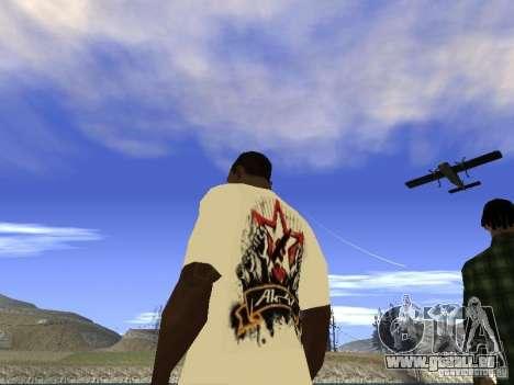 T-Shirt NoGGano228 et AK-47 pour GTA San Andreas quatrième écran