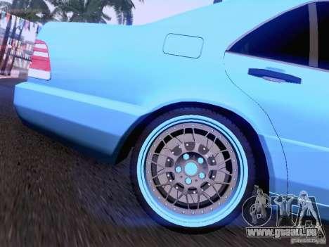 Mercedes-Benz S-Class W140 pour GTA San Andreas vue de dessous