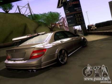 Mercedes-Benz C36 AMG pour GTA San Andreas sur la vue arrière gauche