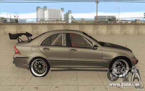 Mercedes-Benz C32 AMG Tuning pour GTA San Andreas vue intérieure