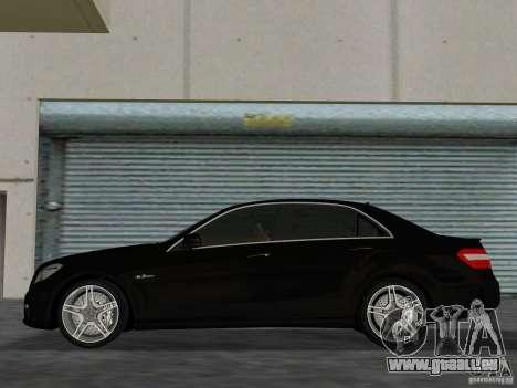 Mercedes-Benz E63 AMG pour GTA Vice City sur la vue arrière gauche