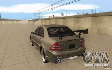 Mercedes-Benz C32 AMG Tuning pour GTA San Andreas sur la vue arrière gauche