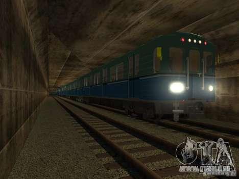 Métro e pour GTA San Andreas vue de droite