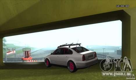 Volkswagen Passat B5.5 JDM pour GTA San Andreas sur la vue arrière gauche