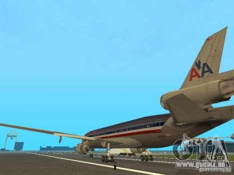 McDonell Douglas MD11 American Airlines pour GTA San Andreas sur la vue arrière gauche