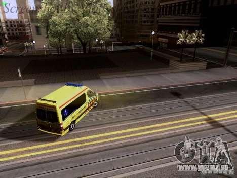 Mercedes-Benz Sprinter Ambulance pour GTA San Andreas vue de dessous