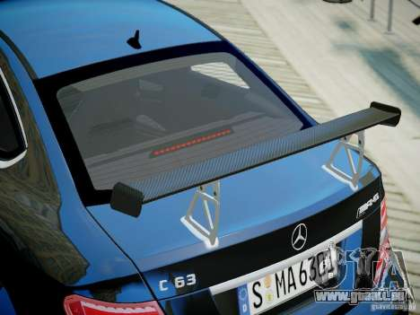 Mercedes-Benz C63 AMG Black Series 2012 v1.0 für GTA 4 rechte Ansicht