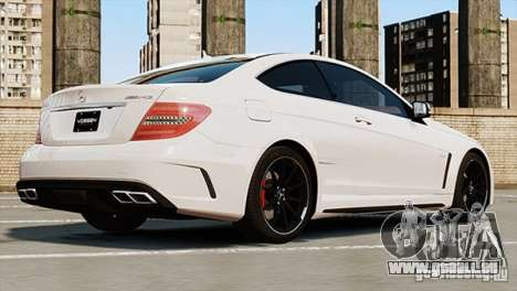 Mercedes-Benz C63 AMG pour GTA 4 est une gauche