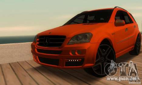 Mercedes-Benz ML63 AMG Brabus pour GTA San Andreas vue de côté