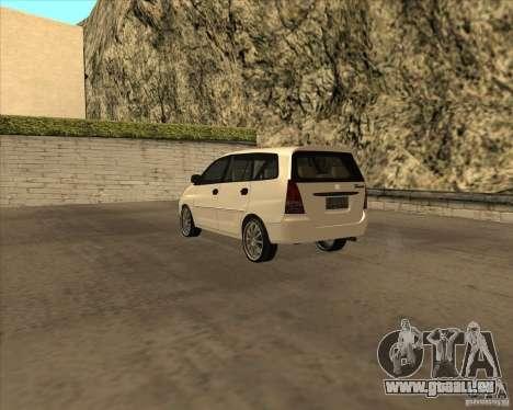 Toyota Innova pour GTA San Andreas vue de droite