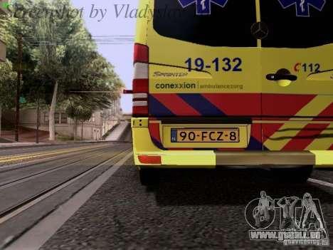 Mercedes-Benz Sprinter Ambulance pour GTA San Andreas vue de côté