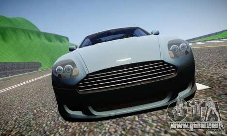 Aston Martin DB9 2005 V 1.5 pour GTA 4 est un côté