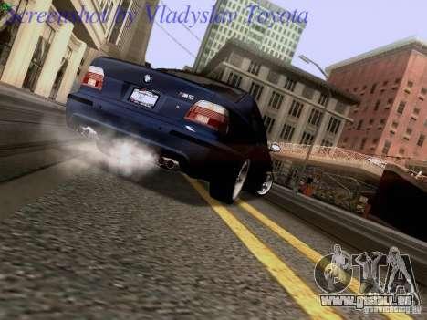BMW E39 M5 2004 pour GTA San Andreas vue de côté