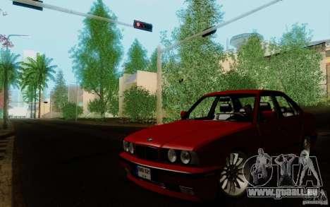 BMW E34 540i Tunable pour GTA San Andreas sur la vue arrière gauche