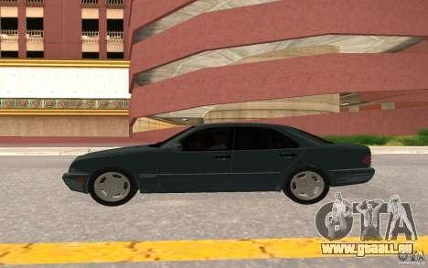 Mercedes Benz E420 W210 pour GTA San Andreas vue arrière