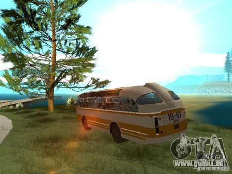 LAZ 695E für GTA San Andreas Rückansicht