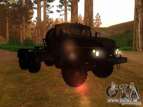 Oural-4420 tracteur pour GTA San Andreas vue arrière