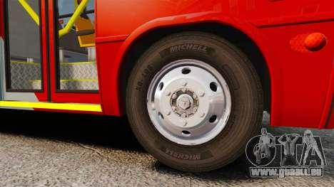 Mercedes-Benz Neobus Thunder LO-915 pour GTA 4 est un côté