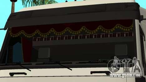MAZ 5440 pour GTA San Andreas vue de dessous