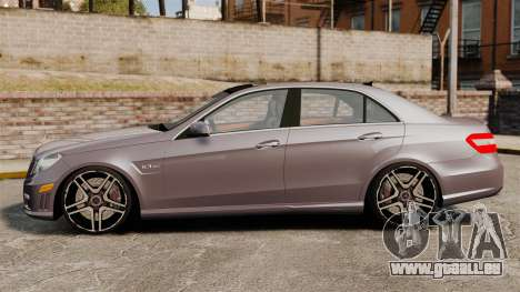 Mercedes-Benz E63 AMG pour GTA 4 est une gauche