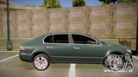 Skoda SuperB 2009 pour GTA San Andreas sur la vue arrière gauche