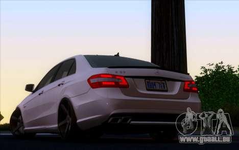 Mercedes-Benz E63 AMG Vossen V1.0 für GTA San Andreas linke Ansicht
