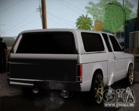 Isuzu KB pour GTA San Andreas sur la vue arrière gauche