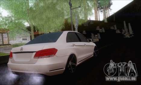 Mercedes-Benz W212 AMG pour GTA San Andreas laissé vue