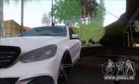 Mercedes-Benz W212 AMG pour GTA San Andreas vue arrière