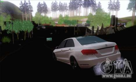 Mercedes-Benz W212 AMG für GTA San Andreas zurück linke Ansicht
