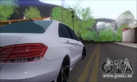 Mercedes-Benz W212 AMG für GTA San Andreas rechten Ansicht