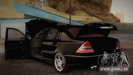 Mercedes-Benz C32 AMG 2004 für GTA San Andreas Seitenansicht