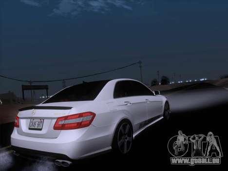 Mercedes-Benz E63 AMG 2011 Special Edition pour GTA San Andreas salon