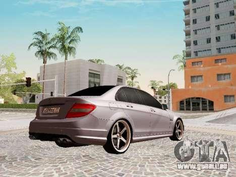 Mercedes-Benz C63 pour GTA San Andreas sur la vue arrière gauche