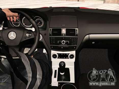 Mercedes-Benz C63 AMG HQLM pour GTA San Andreas salon