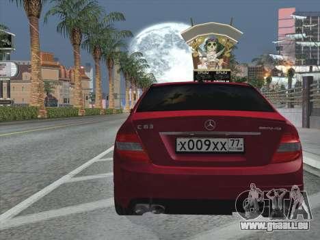 Mercedes-Benz C63 AMG HQLM pour GTA San Andreas vue de dessous